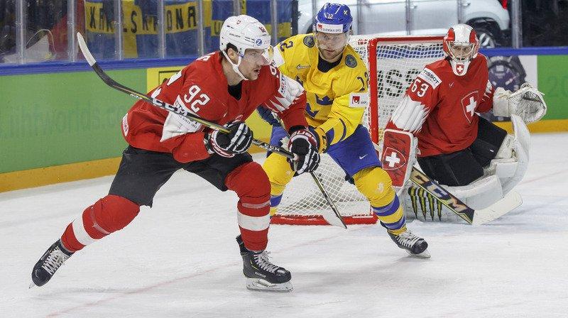 Gaëtan Haas (en rouge, au premier plan) et ses coéquipiers de la Nati étaient menés 0-3 à la 22e.