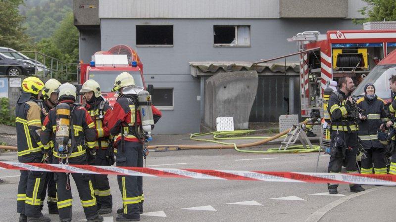 Bienne: un immeuble en feu, 49 locataires admis à l'hôpital