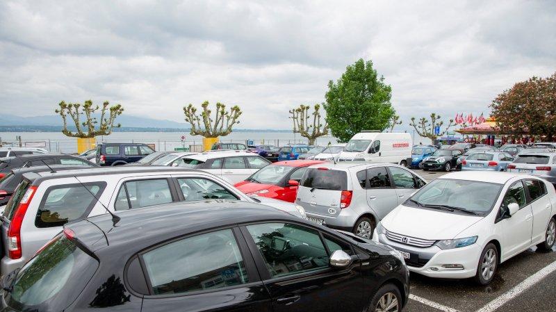 Parking bondé: «détenir un macaron ne garantit pas une place de parc»