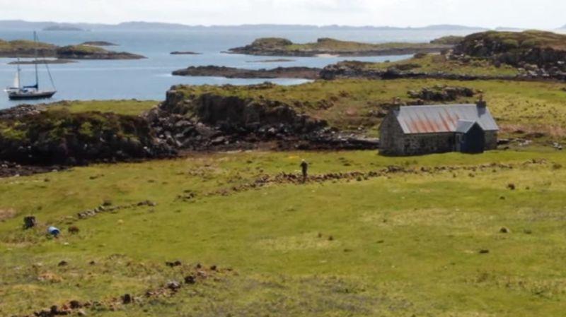 A son apogée, l'île comptait plus de 800 habitants. Son déclin a commencé au XVIIe siècle.