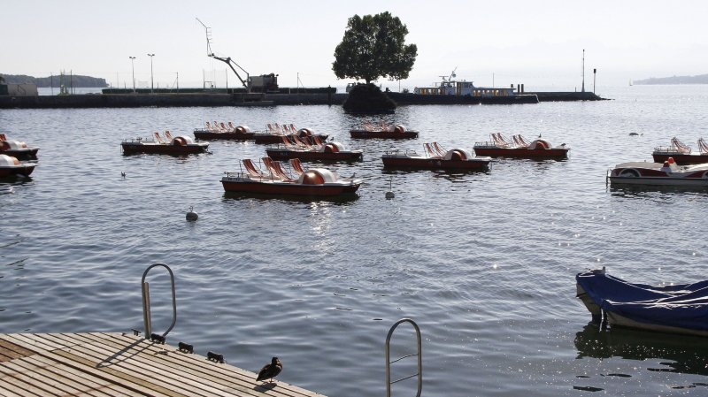 A Nyon, ils frôlent la noyade: le pédalo qu'ils ont volé n'avait pas de bouchon!