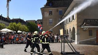 A_l_eau_Les_pompiers_Nyo_web