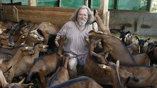 """""""On a du sentiment pour ces bêtes"""": Jean-François Burnet, éleveur à Aubonne"""