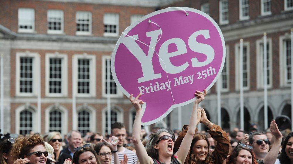 L'onde de choc du référendum irlandais pour légaliser l'avortement secoue aujourd'hui l'Irlande du Nord.