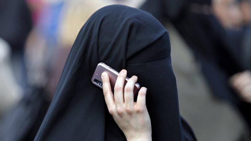 La France a été le premier pays en Europe à interdire le voile intégral dans l'espace public.