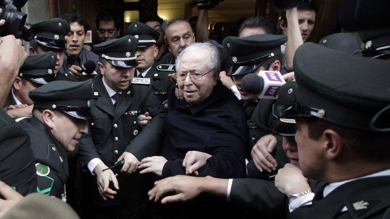 Chili: le Vatican suspend un autre prêtre chilien accusé de pédophilie