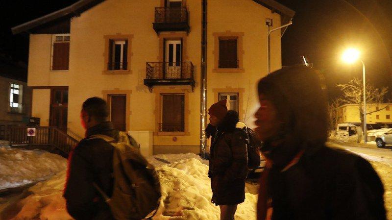 """Deux Suisses de 23 et 26 ans et une Italienne de 27 ans doivent comparaître jeudi devant le tribunal correctionnel de Gap (sud-est) pour """"aide à l'entrée irrégulière"""" d'étrangers. (illustration)"""