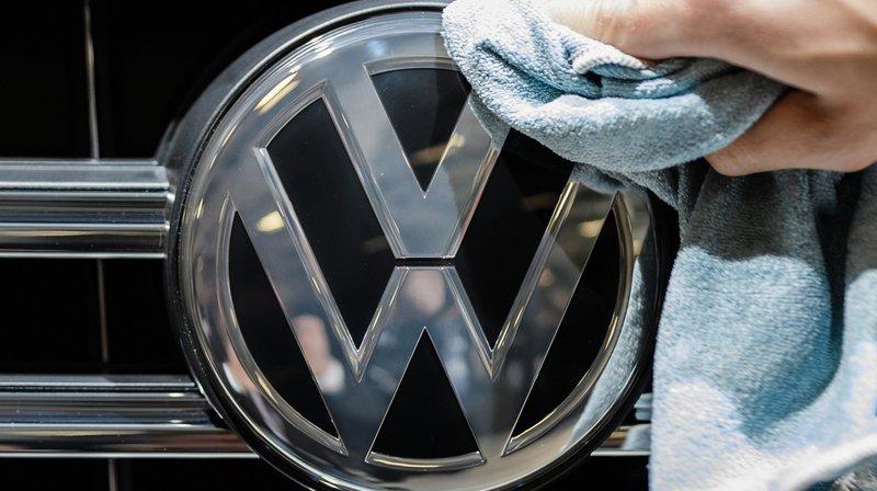 Volkswagen a annoncé avoir écopé d'une amende d'un milliard d'euros dans le cadre de l'enquête sur les émissions polluantes de ses moteurs diesel.