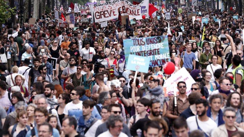 France: marée humaine dans les rues contre la politique de Macron