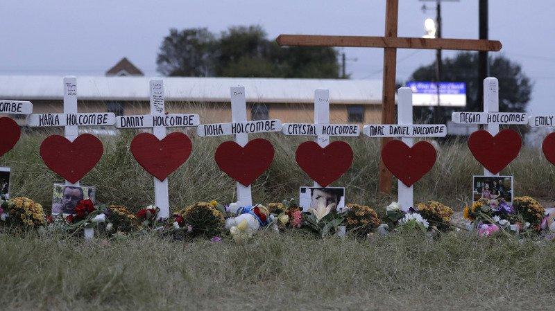 En tout, la famille Holcombe a perdu huit de ses membres, dont Noah Holcombe, âgée d'un an, et sa tante Crystal Holcombe, 36 ans, qui était enceinte.