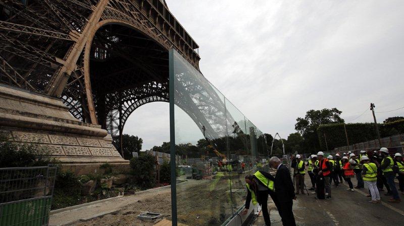 France: un mur de verre de 3 mètres de haut pour protéger la Tour Eiffel du terrorisme