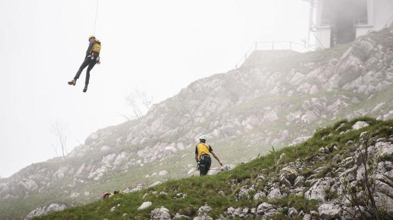 La Dôle: la colonne de secours du Jura vaudois intervient jusque dans les airs