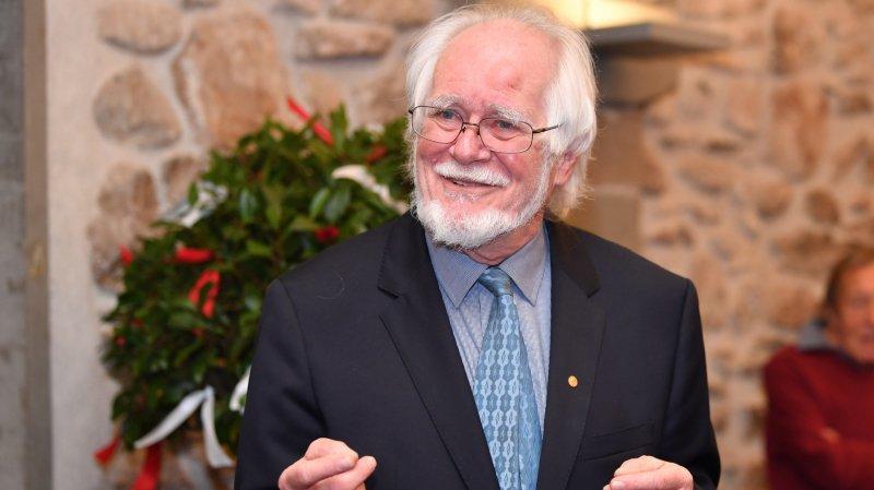 Jacques Dubochet partage ses réflexions sur la science et la philosophie dans un ouvrage.