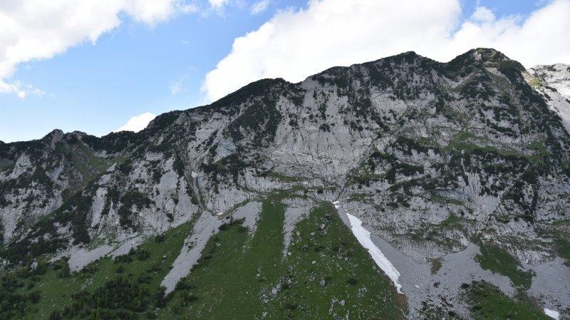 Un alpiniste décède après une chute au Mattstock (SG)
