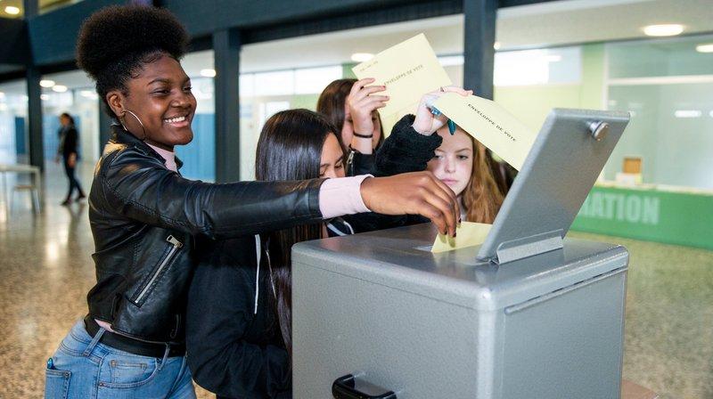 Jeux d'argent: des élèves nyonnais ont simulé la votation fédérale du 10juin