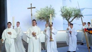 Visite du pape en Suisse: près de 30'000 fidèles réunis à Palexpo