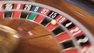 """Votations du 10 juin: un net """"oui"""" à la loi sur les jeux d'argent et un """"non"""" massif à l'initiative """"monnaie pleine"""""""
