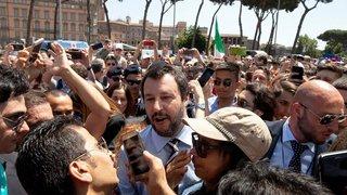 Matteo Salvini fixe un cap antimigrants