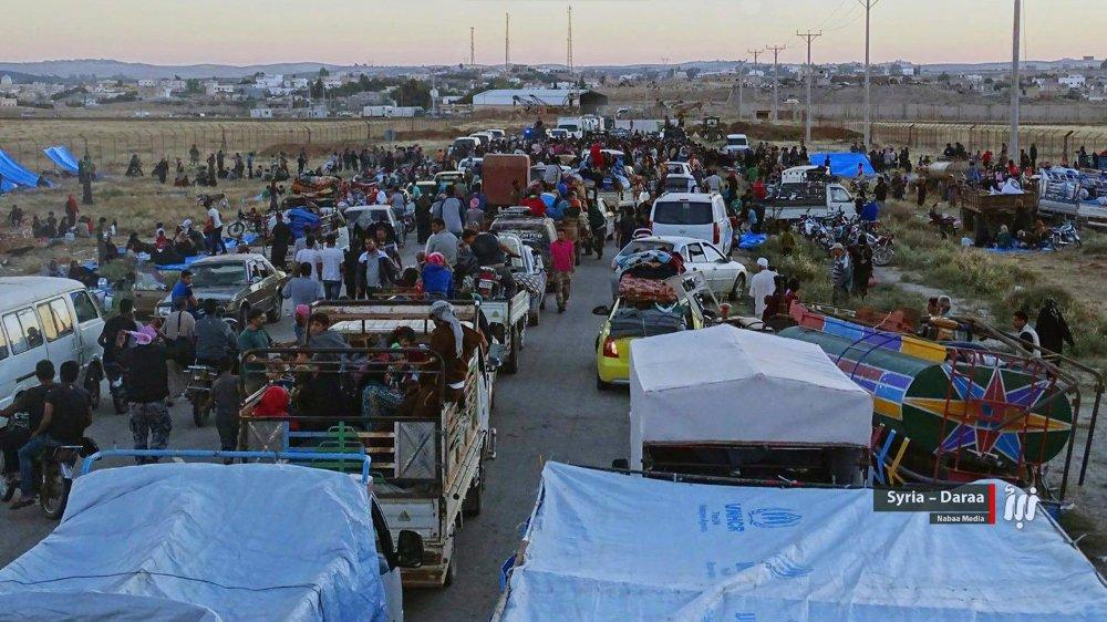 Dans le sud du pays, des Syriens fuient les combats.