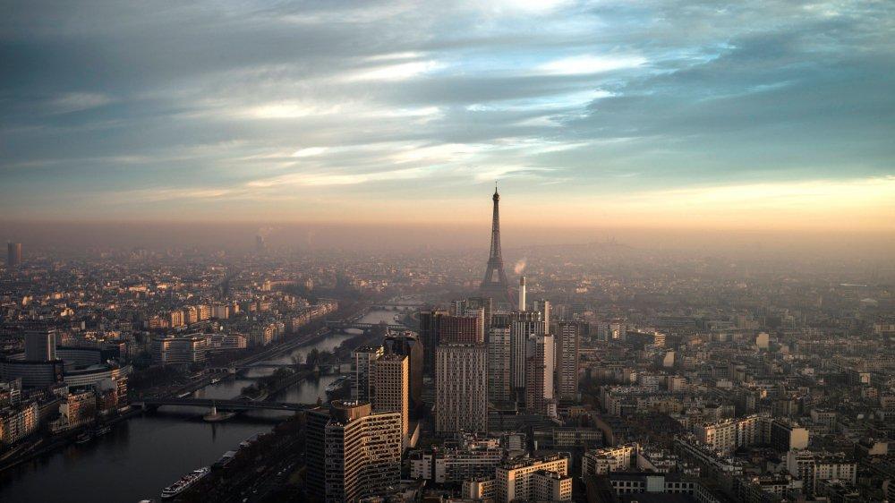 La France fait des pieds et des mains pour attirer les banquiers quittant Londres.