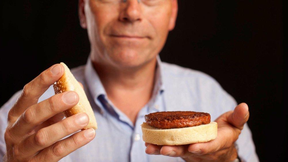 Mark Post, créateur du steak artificiel, espère pouvoir le commercialiser dès 2021. Mais il lui faut d'abord obtenir l'accord des autorités.