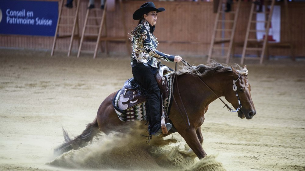 Cira Beck sur Whizzard a pu s'en donner à cœur joie dans le magnifique ranch des Schumacher à Givrins.