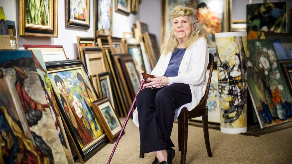Simone Degal, dans sa maison de Genolier. La peintre a produit plus de 2000 toiles tout au long de sa carrière.
