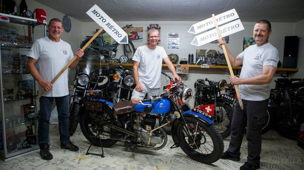 Jean-Marc Bally, Yves Schwarzentrub et Luc Schwarzentrub (de g. à dr.), les artisans du Moto-Rétro de Bière.