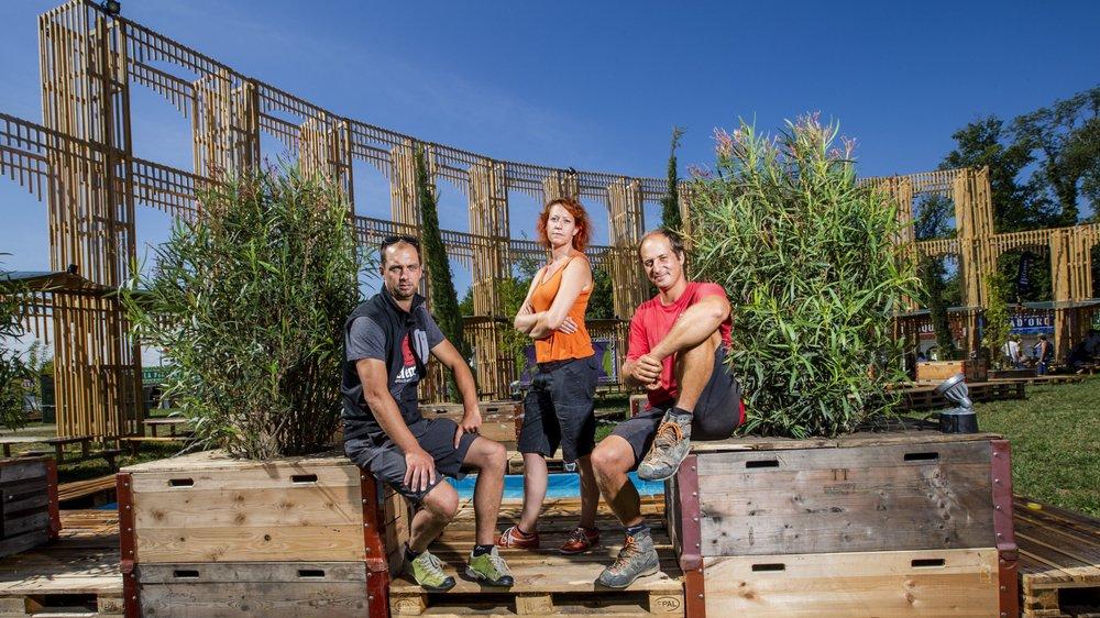 Florian Cupelin, Sandra Rigamonti et Mathieu Ruchat ont participé à la construction du Colisée au Village du Monde. Une oeuvre de 9 mètres de haut.
