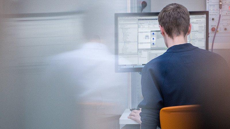 Les ordinateurs font plutôt partie du domaine professionnel.
