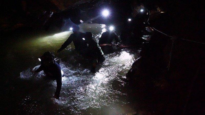 Thaïlande: toujours aucune nouvelle des adolescents piégés dans une grotte