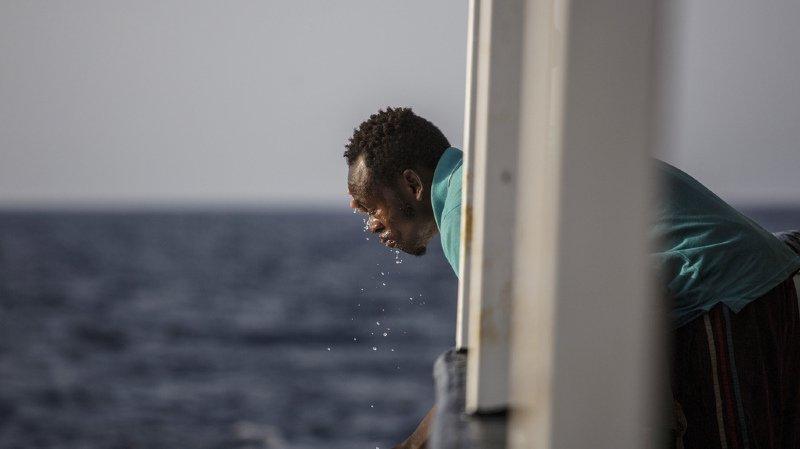 Le Vos Thalassa, chargé de ravitailler des plates-formes pétrolières au large de la Libye, a recueilli lundi 66 migrants.