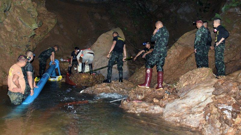 Thaïlande: les jeunes footballeurs piégés dans une grotte retrouvés vivants après 9 jours