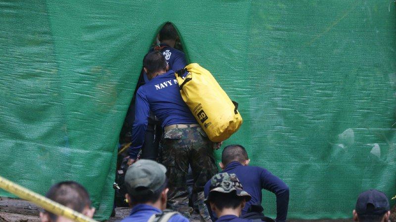 Piégés dans une grotte: l'opération d'évacuation des ados lancée en Thaïlande