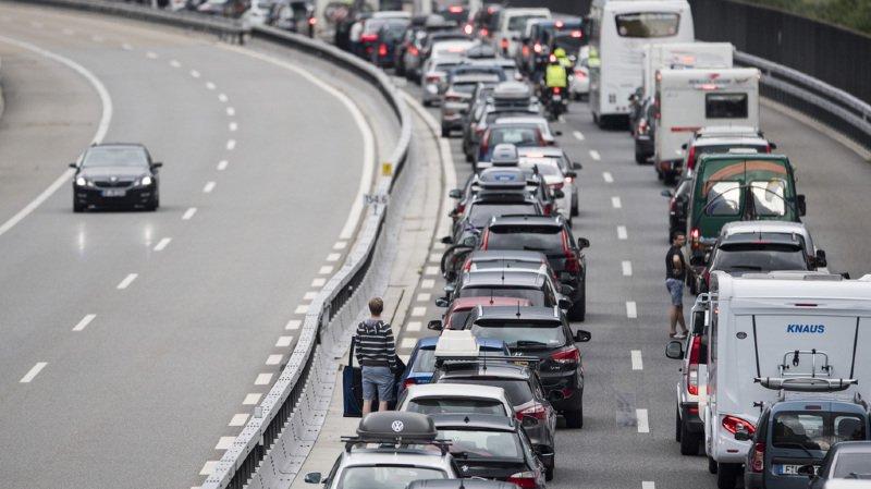 Vers 06h00, le temps d'attente atteignait deux heures, indique le Touring Club Suisse (TCS) sur son site internet. (illustration)