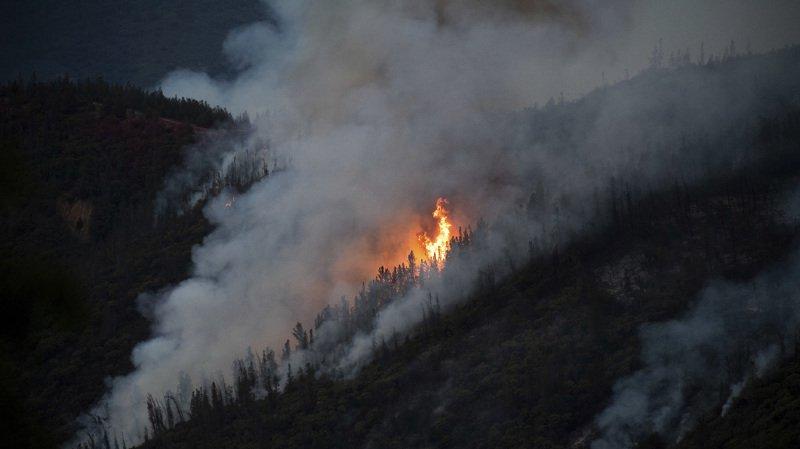 Etats-Unis: le parc national de Yosemite partiellement fermé à cause d'un incendie