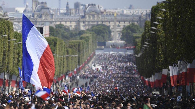Coupe du monde 2018: les Bleus accueillis en héros sur les Champs-Élysées