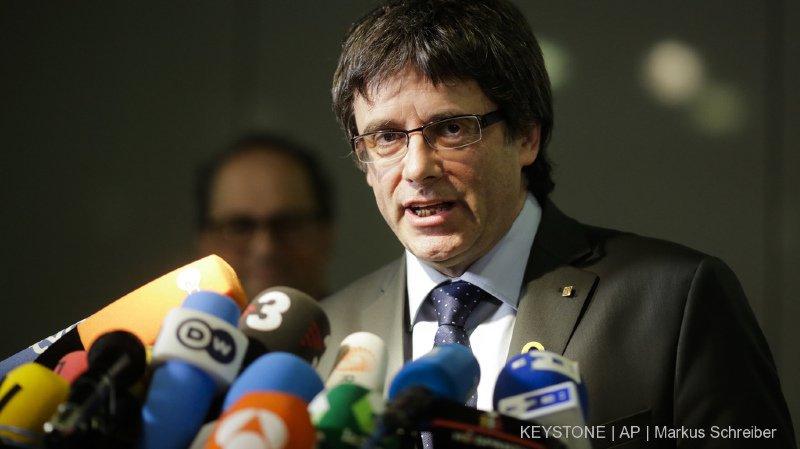 Catalogne: retrait des mandats d'arrêt internationaux contre Puigdemont et les dirigeants catalans