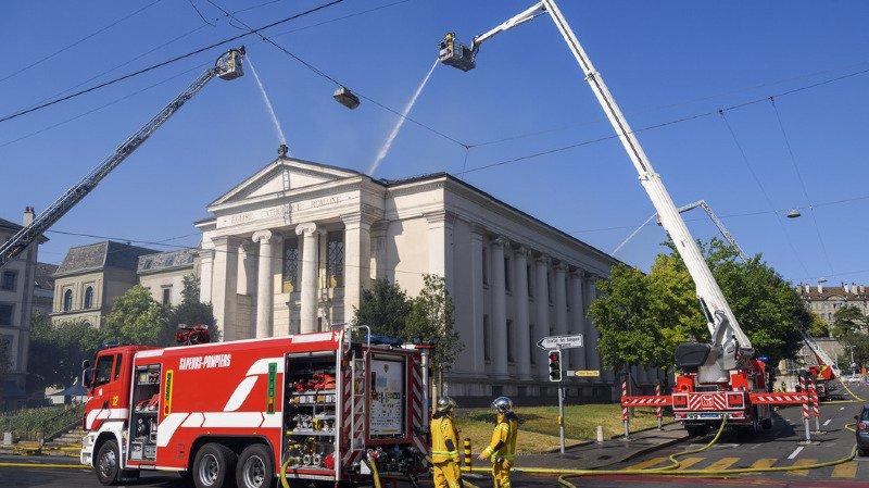 Genève: l'église du Sacré Cœur ravagée par les flammes