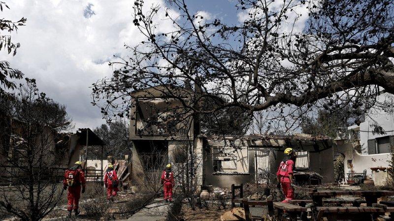 Grèce: les violents incendies à l'est d'Athènes font au moins 80 morts