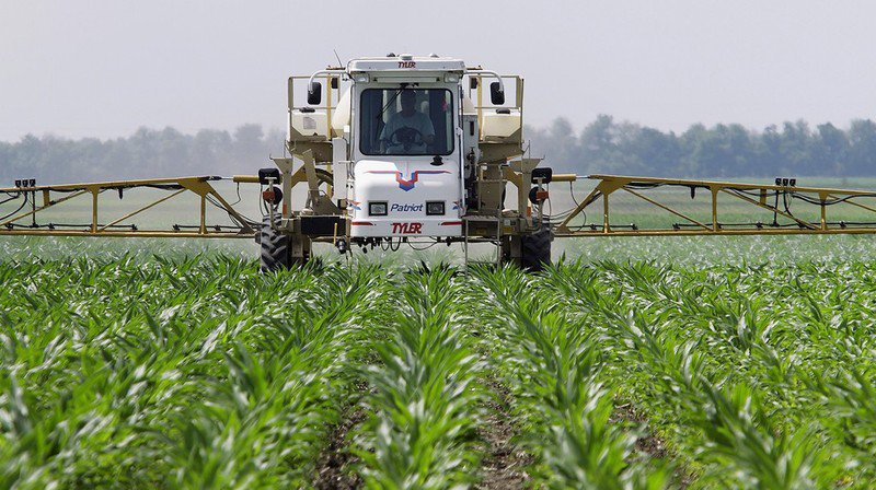 Les quantités d'herbicides commercialisées en Suisse ont nettement diminué depuis 2008.