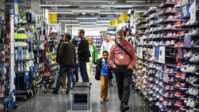 L'enseigne du géant français va s'afficher sur 23 magasins suisses (archives).