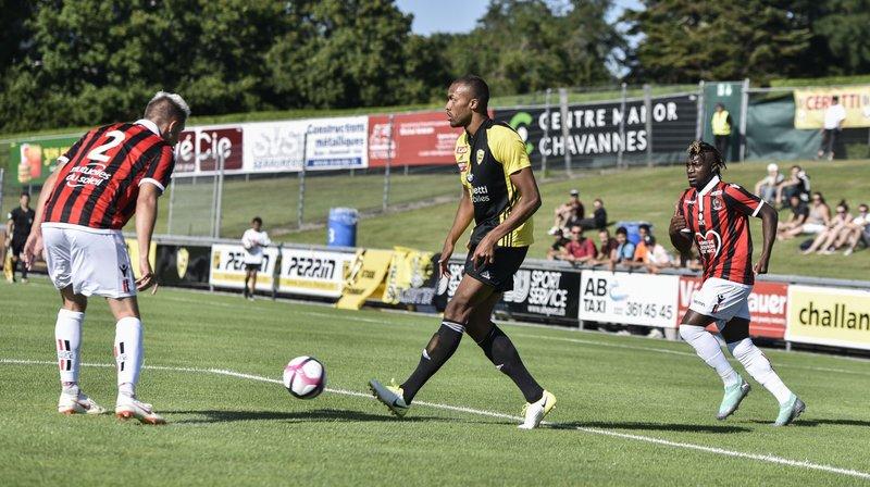 Adomako (au centre) et les Nyonnais ont souffert face aux Niçois de Patrick Vieira.