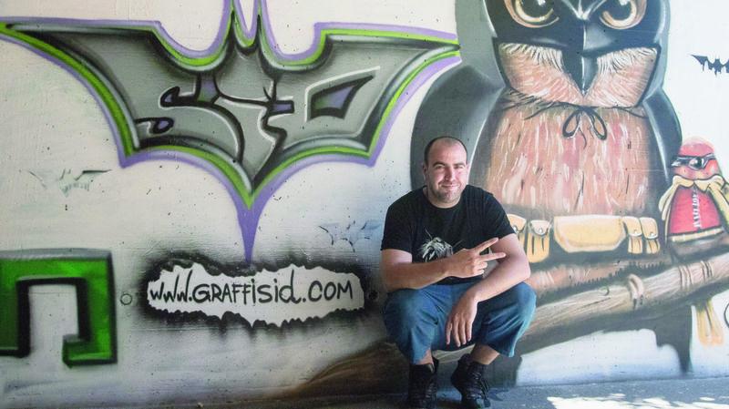 Gland: grâce au graffeur Sid, Batman veille sur les écoliers