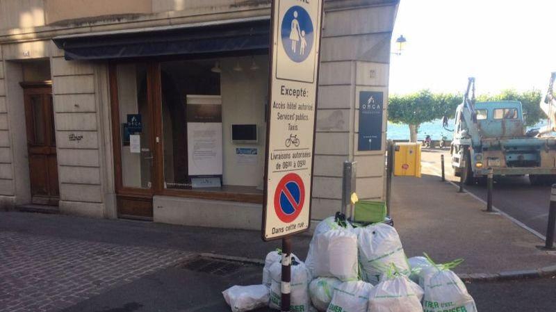 Pourquoi le centre de Nyon déborde de sacs-poubelles