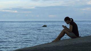 Alertes SMS et blocage: les opérateurs suisses mettent en garde face aux frais de roaming à l'étranger