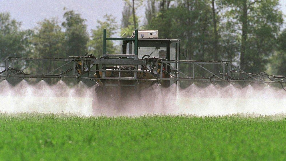 Interdire les pesticides de synthèse limiterait trop la marge de manœuvre de l'agriculture, selon le Conseil fédéral.