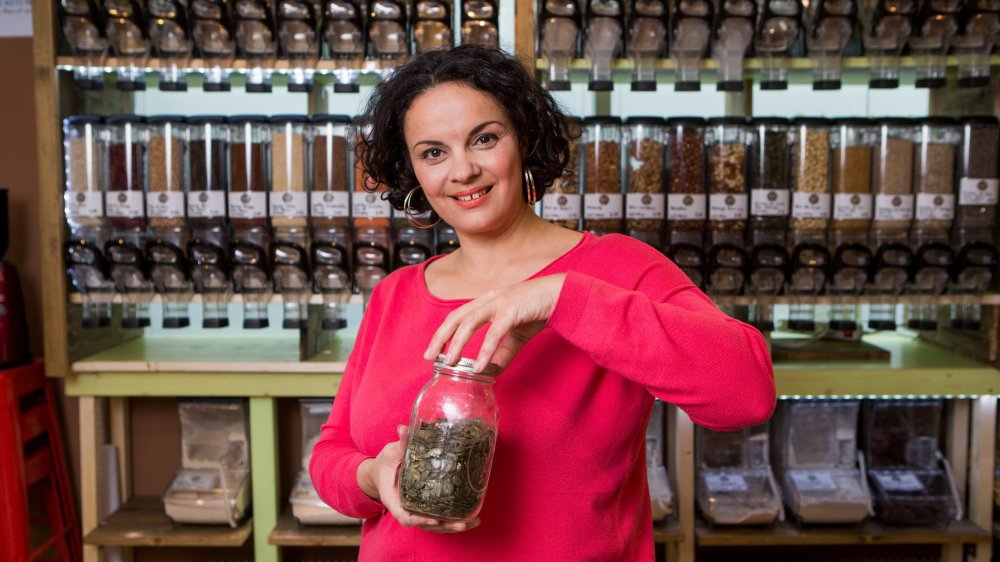Lilly Lelièvre, gérante du Lilly's Green Market, dans son magasin au printemps dernier.