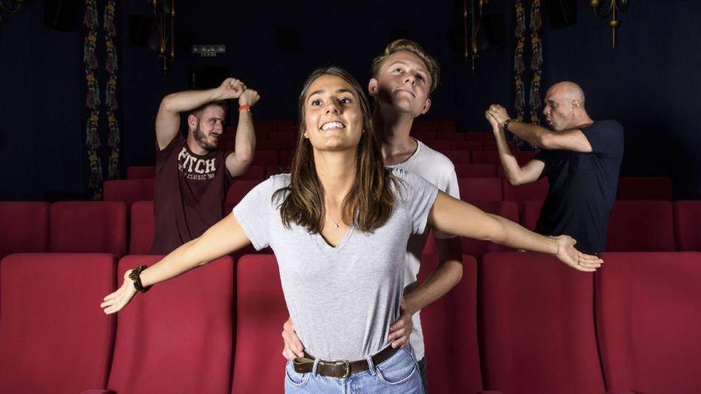 """Les organisateurs de """"Passe ton film!"""", Avril Lehmann et Axel Bezençon en Titanic, Tanguy Perrenoud et Patrick Dentan en Star War. Manque: Anja Bobst."""