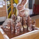 Programme de Pâques 2019 Cuisson de gâteaux en forme de lapins de Pâques